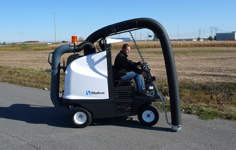 Madvac® LN50 - Vacuum Litter Collector with Assisted Arm